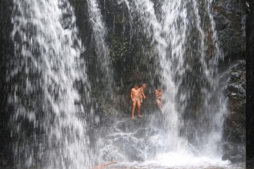 Jamping Waterfall Tour